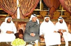 سعيد بن طحنون يزور محمد صالح بن بدوه في الخضر