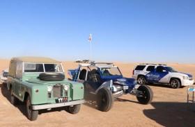 شرطة أبوظبي  تشارك في تأمين فعالية متعة القيادة في الصحراء