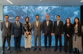 سلطان بن أحمد القاسمي يلتقي رئيس وكالة أنباء البرتغال في لشبونة