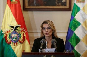 الرئيسة البوليفية المؤقتة تحذر موراليس من العودة