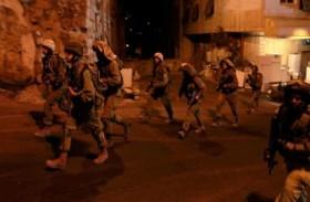 الاحتلال يعتقل 8 فلسطينيين في الضفة ويقتحم قبر يوسف بنابلس