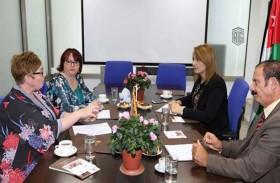 كلية طلال أبوغزالة الجامعية للابتكار وجامعة كوينز البريطانية تتفقان على البرامج المشتركة