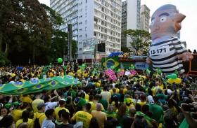 البرازيليات لن يشكلن عقبة أمام فوز بولسونارو