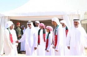 نهيان بن مبارك يقدم واجب العزاء لذوي الشهيد علي محمد راشد الحساني