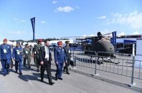 وكيل وزارة الدفاع يزور معرض سيؤول الدولي للفضاء 2019