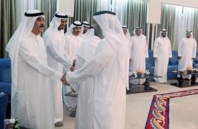 حاكم أم القيوين يواصل استقبال المهنئين بشهر رمضان المبارك