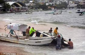 ماكس يضرب ساحل  المكسيك على المحيط الهادي