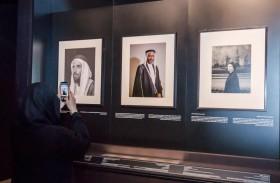 لطيفة بنت محمد تزور معرض صور في حوار بمتحف الاتحاد