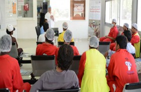 محاضرات توعوية بمرض حمى القرم الكونجو النزفية بمنطقة الظفرة