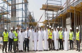 «ديوا»  تتابع سير العمل بمركز البحوث ضمن  مجمع محمد بن راشد للطاقة الشمسية
