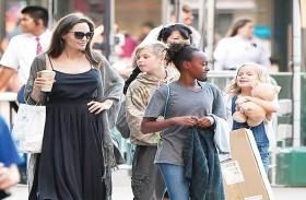 أنجلينا جولي تخرج عن صمتها وتتحدث عن معاناتها بعد الطلاق