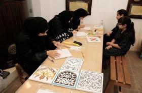 «دبي للثقافة» تقيم ورشة للحفر على الجبس والخشب