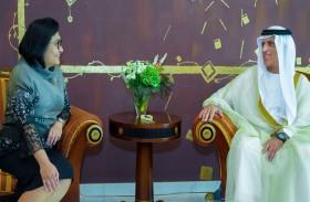 حاكم رأس الخيمة يستقبل سفيرة الفلبين