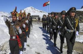 الهند والصين ترسلان مزيداً من القوات إلى حدودهما