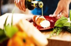 تقرير طبي يرصد 8 عادات سيئة ترفع نسبة الكوليسترول
