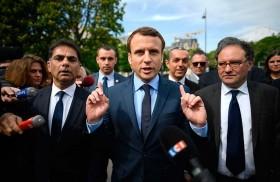 الضرب تحت الحزام يبدأ في سباق الرئاسة الفرنسية