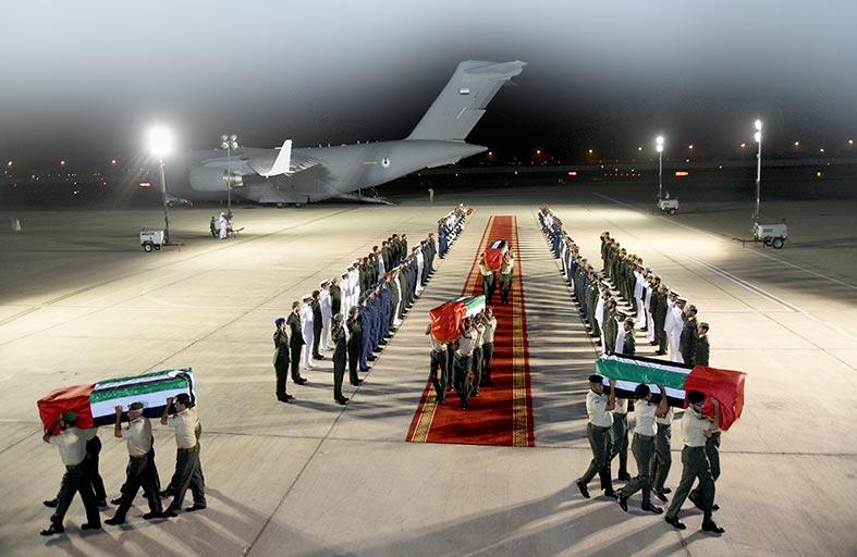 الإمارات على قلب رجل واحد تخليدا لذكرى شهداءها  البواسل