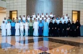 عبدالله بن زايد يستقبل وفد كلية الدفاع الوطني