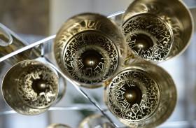 شرطة دبي تحول طلقات مدفع رمضان الفارغة إلى عمل فني