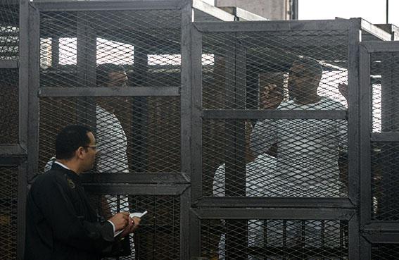 السجن بين 5 و40 عاماً على 13 إرهابيا من الإخوان