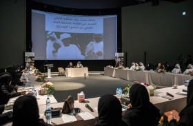 مركز حمدان بن محمد لإحياء التراث يقدم ورقة عمل عن صون وحماية الرياضة التراثية «الصيد بالصقور»