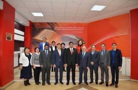 سفير الدولة لدى أستانا يزور الأرشيف الوطني لجمهورية كازاخستان