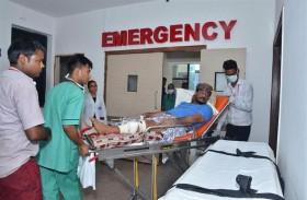 الهلال الأحمر الإماراتي وفريق مستشفيات VPS يستقبلون الجرحى اليمنيين في الهند