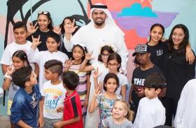 حسين الجسمي يزور أطفال أصحاب الهمم في مركز «كلماتي» للتواصل والتأهيل