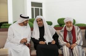 محمد بن زايد يؤكد على أهمية الوعي بمنهجية الإسلام السمحة وتعاليمه القائمة على السلام والتعاون والمحبة