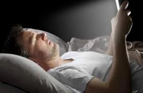 احذر من استخدام الهاتف قبل النوم!
