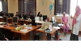 """""""طبية العين"""" بشرطة أبوظبي تنفذ حملة للتوعية بسرطان الثدي"""