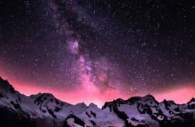 السماء البنفسجية تفجع بلده بأكملها