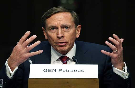 بترايوس يدعو واشنطن إلى دور أكبر في سوريا