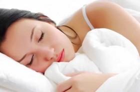الوقت المثالي للنوم لتبدين جذابة في الصباح