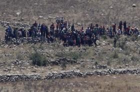 إسرائيل تأمر سوريين عند حدود الجولان بالرجوع
