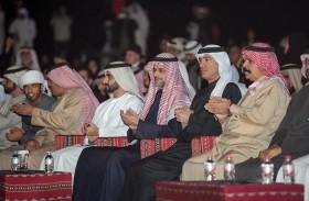 ولي عهد الشارقة يشهد انطلاق مهرجان الشارقة للمسرح الصحراوي