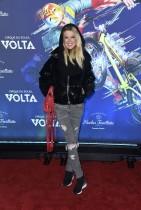 تارا ريد خلال حضورها عرض لوس أنجلوس الأول لفيلم «فولتا» في لوس أنجلوس، كاليفورنيا.  ا ف ب