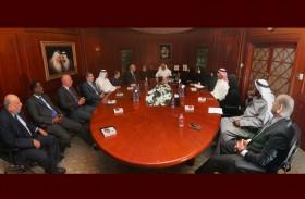مدير عام محاكم دبي يبدأ بسلسلة اللقاءات الدورية للإدارات للاطلاع على سير العمل