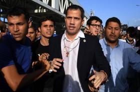 غوايدو يطالب باستئناف الاحتجاجات عقب تعرضه للاعتداء