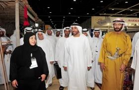 نهيان بن زايد يزور جناح « تراث الإمارات « في الصيد والفروسية ويشيد بمحتوياته