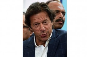 عمران خان يتمكن من خوض الانتخابات
