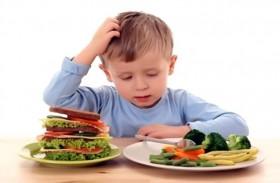 عادات الأكل الغريبة لدى الطفل قد تشير لإصابته بالتوحد