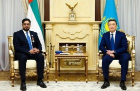رئيس كازاخستان يمنح سفير الدولة وسام الصداقة