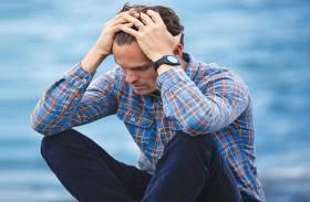 أكثر من الحزن والأرق... علامات تكشف اكتئاب الرجل