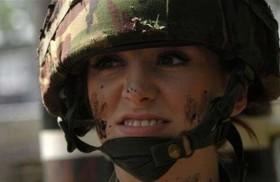 باربي المقاتلة تستقيل من الجيش