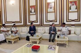 قائد عام شرطة أبوظبي يلتقي سفير قيرغيزستان
