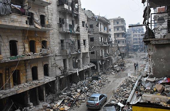 الحرب تمحو معالم المدينة القديمة في حلب