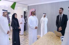 عمار النعيمي يطلع على دراسة تتبع الأعمال في إمارة عجمان