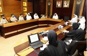 شرطة دبي تناقش خطط عمل المبادرات المجتمعية وإطلاق أفكار إبداعية
