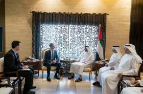 محمد بن زايد يبحث مع السيناتور الأمريكي توم كوتون علاقات والتعاون والمستجدات الإقليمية والدولية